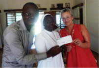 La remise du chèque à soeur Alexandrin