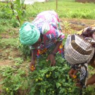 Esther et une villageoise