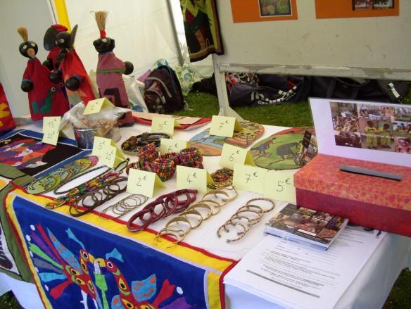 Tous ces objets d'artisanats ont été achetés par Jean Luc dans la région d'ABomey.